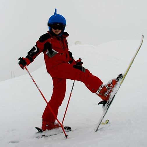 Funda casco con forma de Ballena usado en Ski