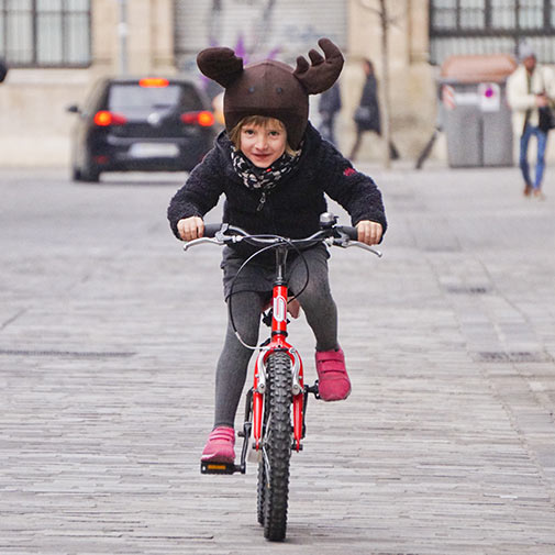 Funda casco con forma de Reno usada en Bicicleta