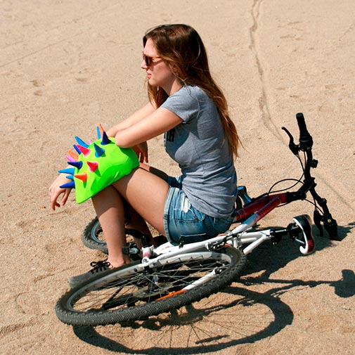 Funda casco Cuernos neón Bike
