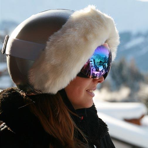 Funda casco Plata Piel Blanca Gafas