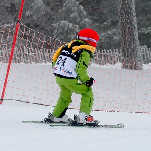 Funda casco Caperucita Roja ski descenso