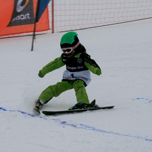 Funda casco Pelos verde ski descenso